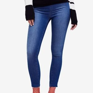 ♥️ Free People Jeggings